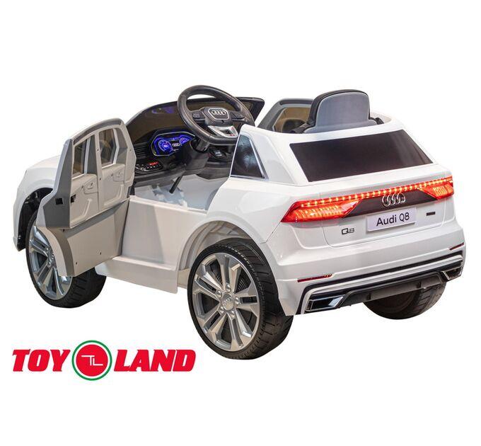 Джип Audi Q8 Белый