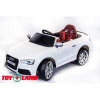Автомобиль Audi Rs5 Белый